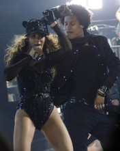 Beyonce-Givenchy-Haute-Couture-Mrs-Carter-Show-World-Tour-1