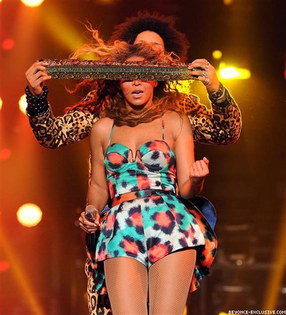 Beyonce-in-Kenzo-Spring-2013-2