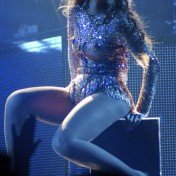 Beyonce-Julien-MacDonald-Mrs-Carter-Show-World-Tour-2