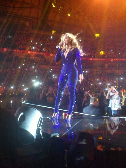 Beyonce-Mrs-Carter-Show-World-Tour-1