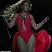 Beyonce-Mrs-Carter-Show-World-Tour-red-2