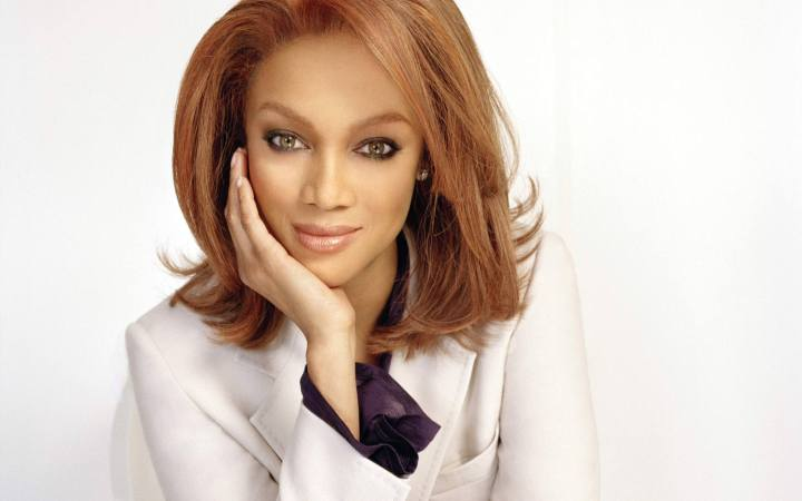 tyra_banks-the-hunt-website-fashion-peacock-under-pressure